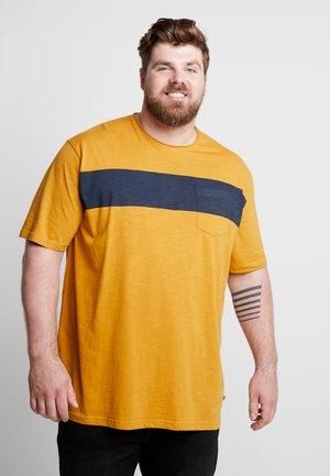 STRIPE TEE - Print T-shirt - camel