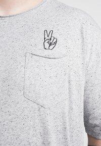 Jack´s Sportswear - HAND EMBROIDERY TEE - Print T-shirt - grey - 5