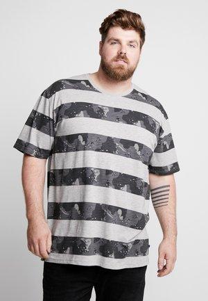 CAMO STRIPES TEE - Print T-shirt - grey