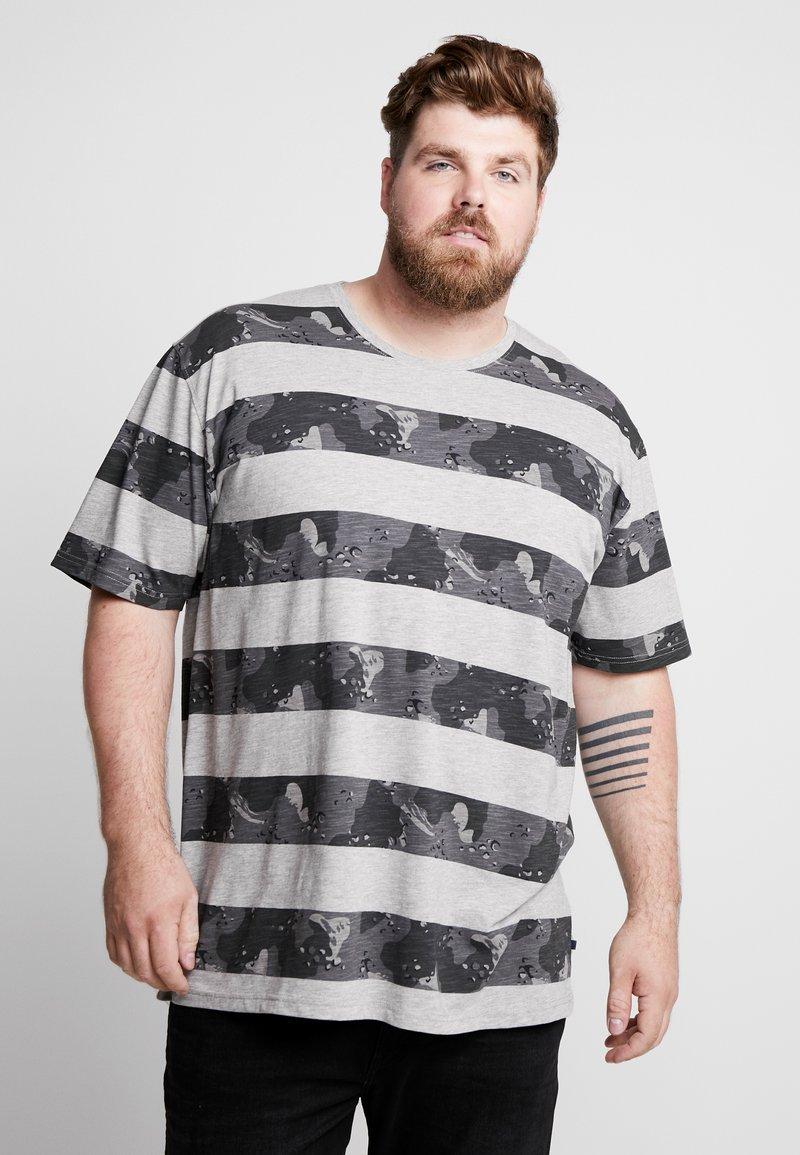 Jack´s Sportswear - CAMO STRIPES TEE - Triko spotiskem - grey