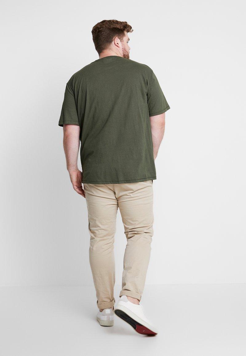 Jack´s Sportswear - GARMENT DYED SLUB TEE - Basic T-shirt - army
