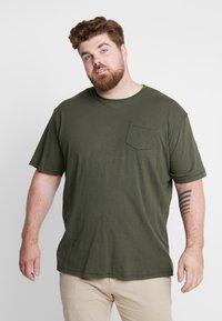Jack´s Sportswear - GARMENT DYED SLUB TEE - Basic T-shirt - army - 2