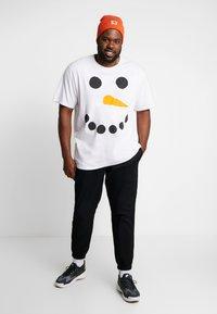 Jack´s Sportswear - CHRISTMAS TEE - Triko spotiskem - white - 1