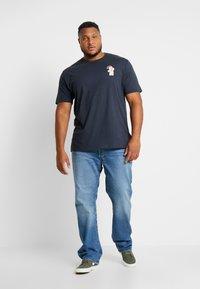 Jack´s Sportswear - CHRISTMAS APPLICATION TEE  - T-shirts print - navy - 1
