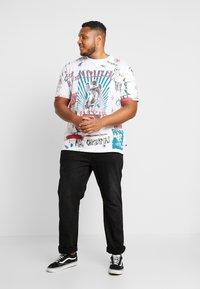 Jack´s Sportswear - SCRIBBLE CHRISTMAS TEE - T-Shirt print - white - 1