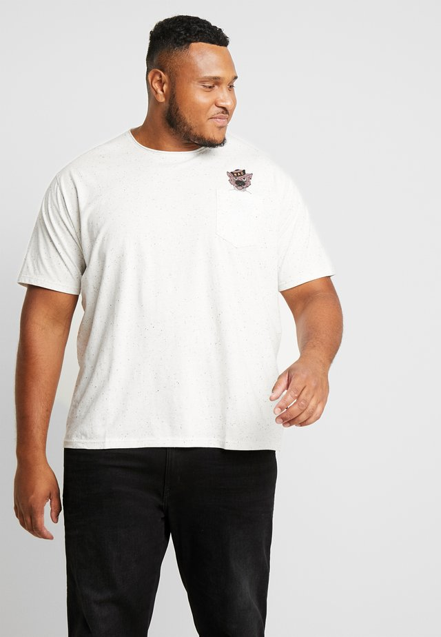 CHEEKY POCKET TEE - T-shirt print - off white
