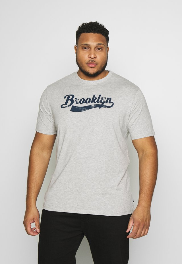AMERICAN CITY - Print T-shirt - grey