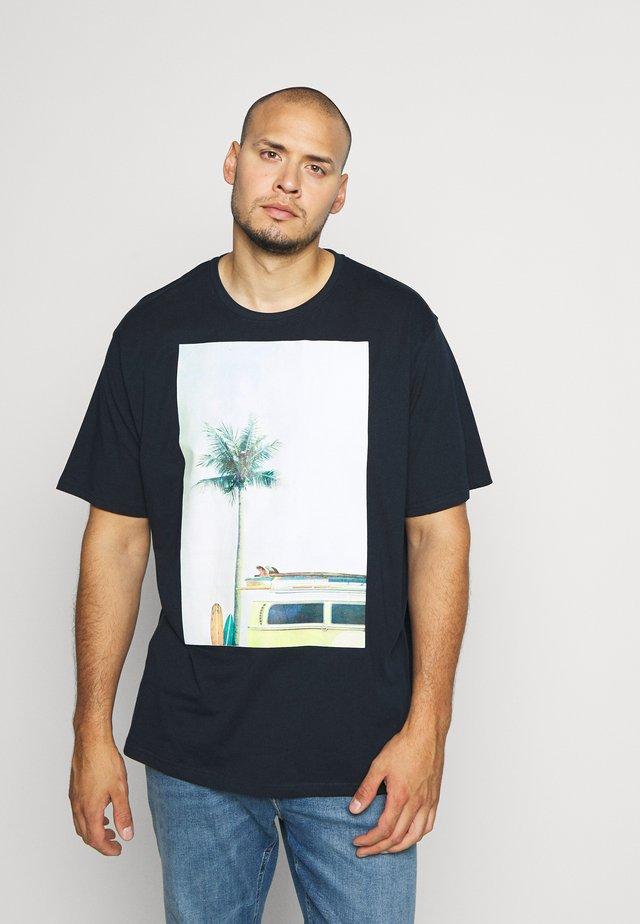 SURF - T-shirt med print - dunkelblau