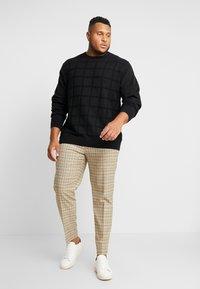 Jack´s Sportswear - GEOMETRIC PATTERN O-NECK - Svetr - black - 1
