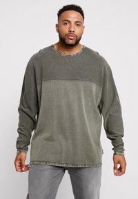 Jack´s Sportswear - ROLL EDGE TEXTURE - Neule - army - 0