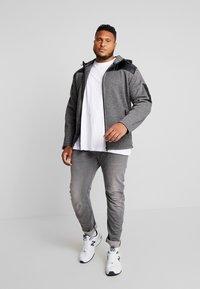 Jack´s Sportswear - HEAVY HOOD - Collegetakki - black - 1
