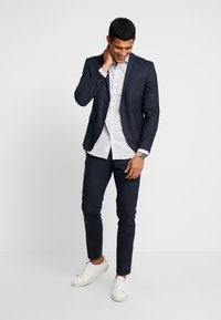 Jack & Jones PREMIUM - JPRFRANCO SUIT DARK NAVY SLIM FIT - Completo - dark navy - 1