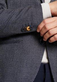 Jack & Jones PREMIUM - JPRROTTERDAM BLAZER SLIM FIT - Blazer jacket - dark navy - 6