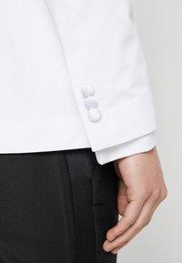 Jack & Jones PREMIUM - JPRLEONARDO SLIM FIT - Giacca elegante - white - 5
