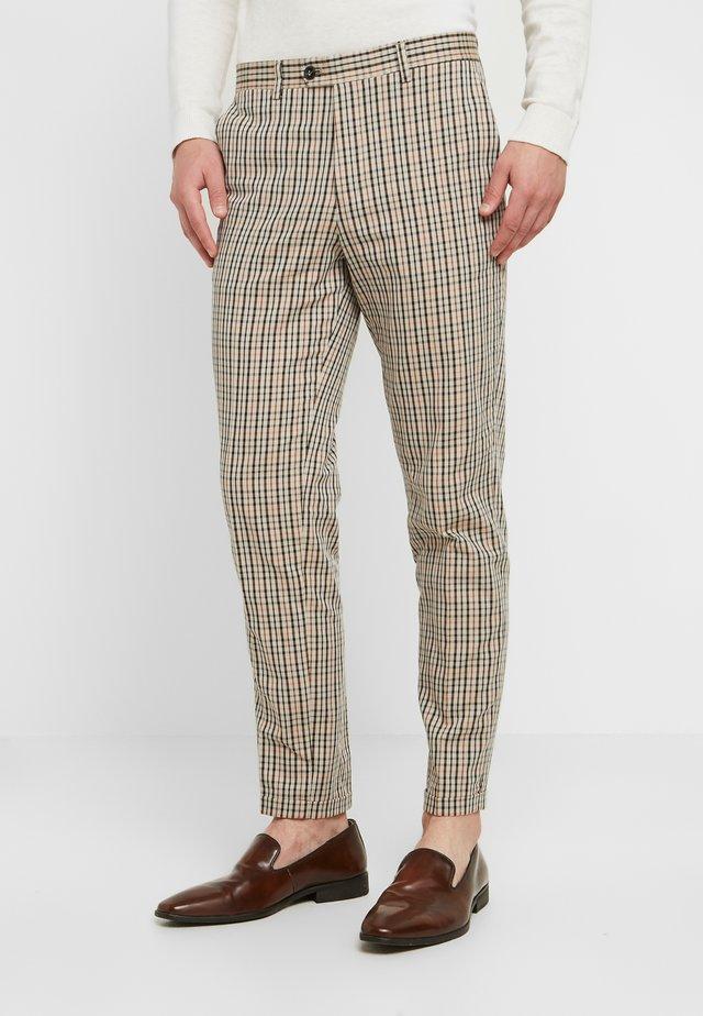 SID TROUSER - Oblekové kalhoty - almond buff