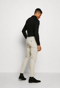 Jack & Jones PREMIUM - JPRVINCENT TROUSER - Pantaloni eleganti - beige - 2