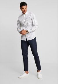 Jack & Jones PREMIUM - JPRBLACKPOOL SLIM FIT - Košile - white - 1