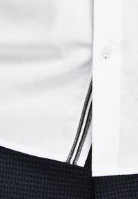 Jack & Jones PREMIUM - Koszula - white - 5