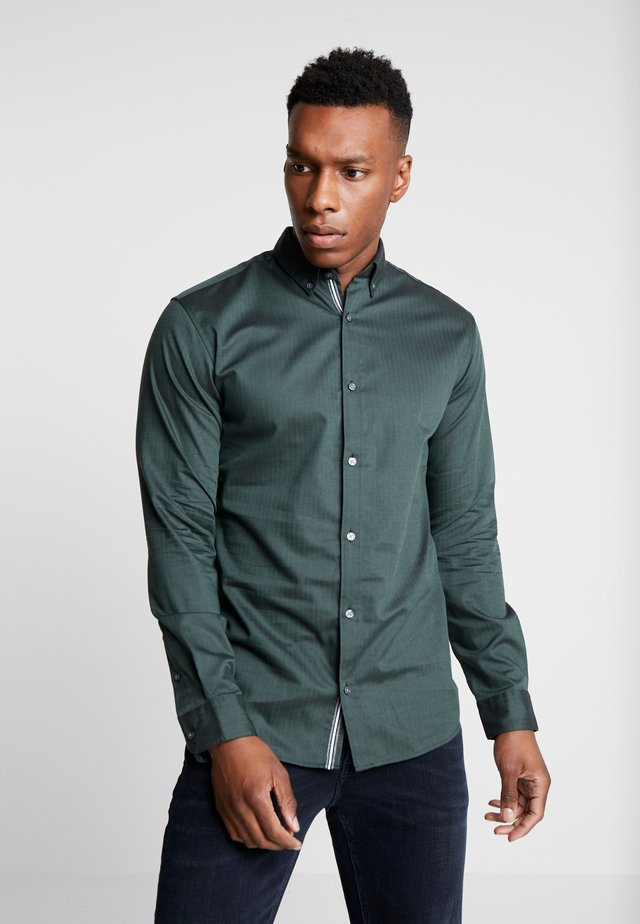 JPRFOCUS SOLID SHIRT SLIM FIT - Hemd - darkest spruce