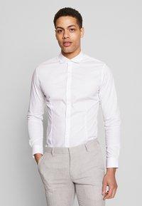 Jack & Jones PREMIUM - JPRBLASUPER STRETCH - Camicia elegante - white/super slim - 0