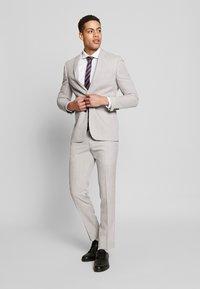 Jack & Jones PREMIUM - JPRBLASUPER STRETCH - Camicia elegante - white/super slim - 1