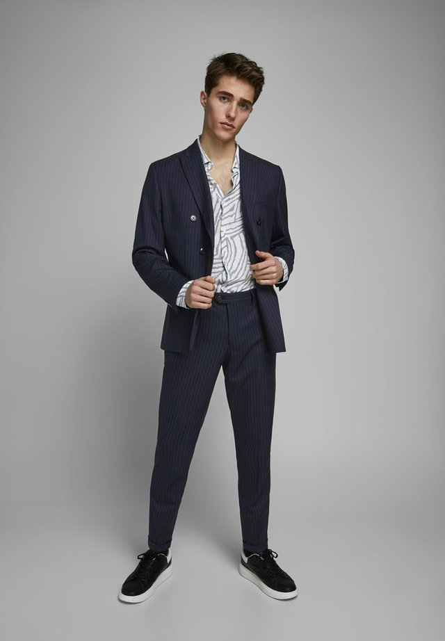 ANZUGHOSE NADELSTREIFEN - Suit trousers - dark navy