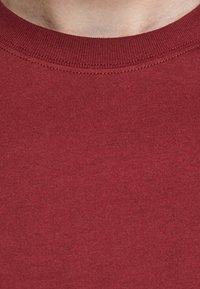 Jack & Jones PREMIUM - Basic T-shirt - red - 4