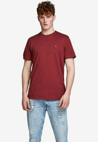 Jack & Jones PREMIUM - Basic T-shirt - red - 0