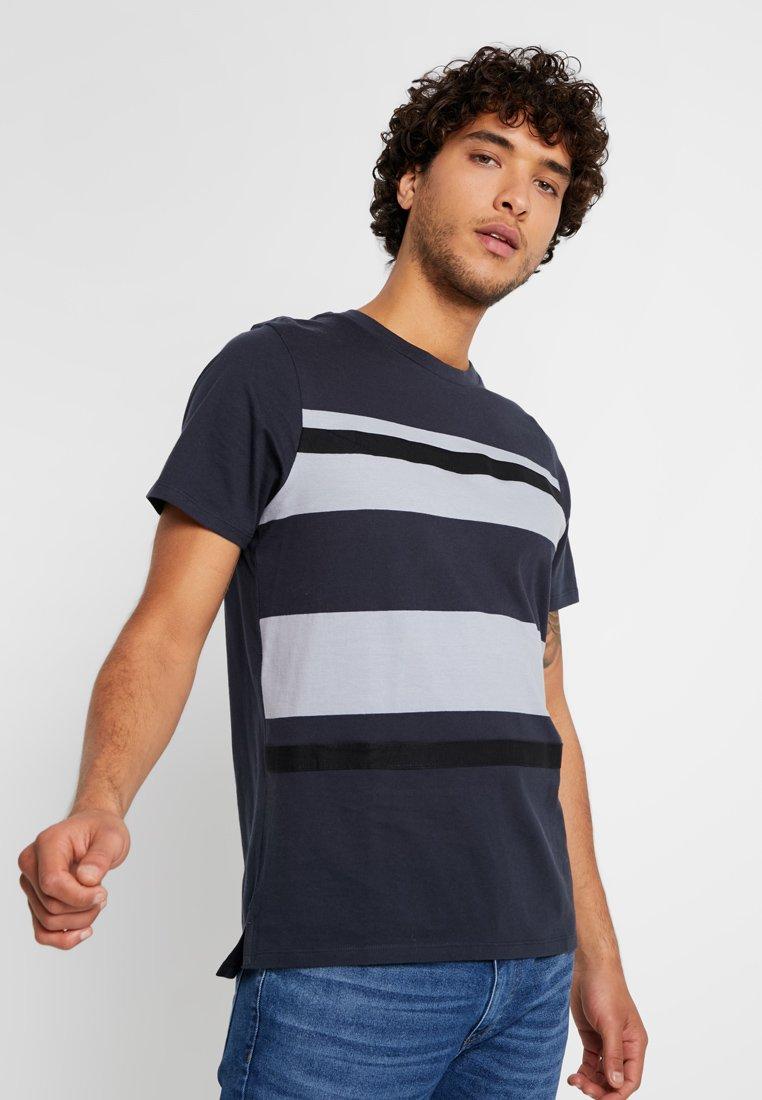 Jack & Jones PREMIUM - JPRBRANDON TEE CREW NECK - Print T-shirt - dark navy