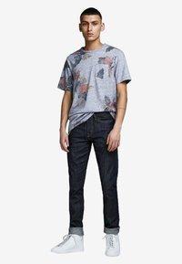 Jack & Jones PREMIUM - Print T-shirt - dark blue - 1