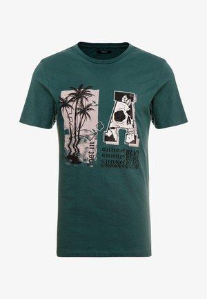 T-shirt z nadrukiem - darkest spruce