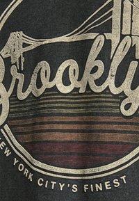 Jack & Jones PREMIUM - T-shirt print - black - 4