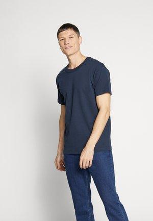 JPRNIGHT TEE CREW NECK - T-shirt basic - blueberry