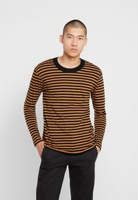 Jack & Jones PREMIUM - JPRHAGUE STRIPE TEE CREW NECK - Top s dlouhým rukávem - black/tobacco brown - 0
