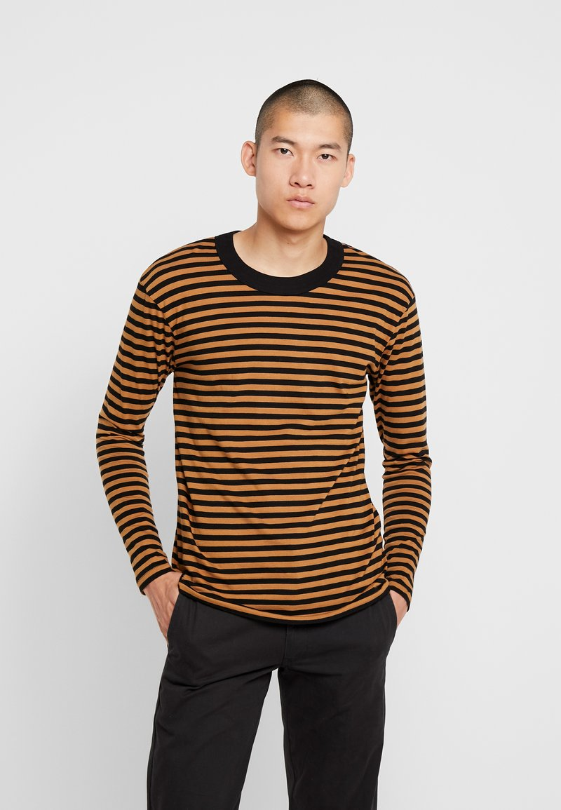 Jack & Jones PREMIUM - JPRHAGUE STRIPE TEE CREW NECK - Top s dlouhým rukávem - black/tobacco brown