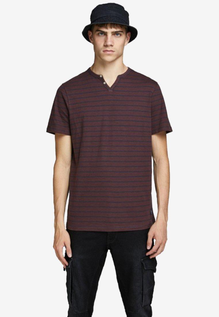 Jack & Jones PREMIUM - Print T-shirt - fudge