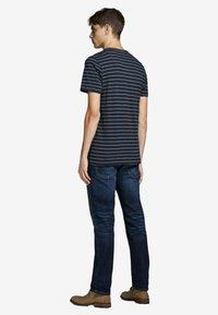Jack & Jones PREMIUM - Print T-shirt - dark navy - 2