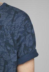 Jack & Jones PREMIUM - KENTON  - Print T-shirt - mood indigo - 4