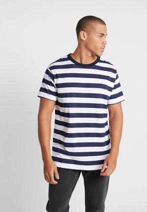 JPRSPON TEE CREW NECK  - T-Shirt print - sky captain/american