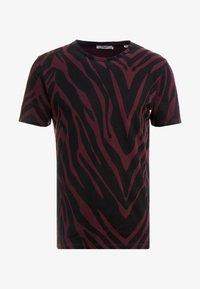Jack & Jones PREMIUM - JPRSAVANNAH TEE CREW NECK - Print T-shirt - port royale/black - 4