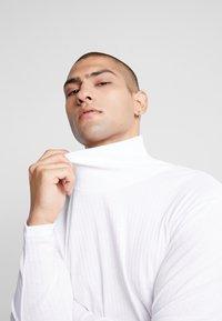 Jack & Jones PREMIUM - JPRLUTON LS TEE TURTLE NECK  - Long sleeved top - white - 3