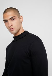 Jack & Jones PREMIUM - JPRLUTON LS TEE TURTLE NECK  - Langærmede T-shirts - black - 4
