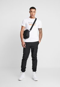 Jack & Jones PREMIUM - JPRSMART TEE CREW NECK - T-Shirt print - white - 1