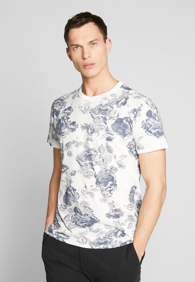 JPRCALEB  - T-shirt med print - cloud dancer