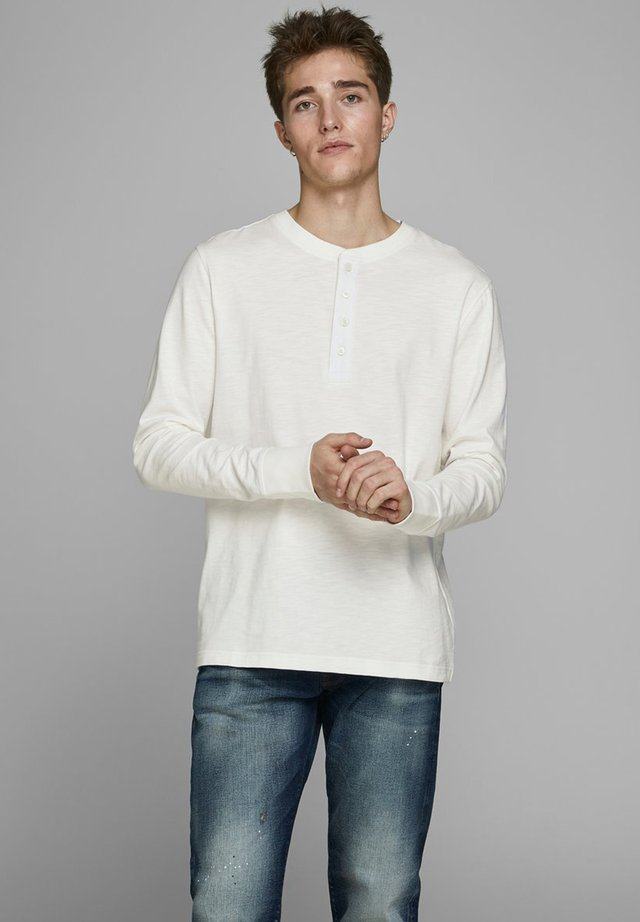 GRANDDAD - Long sleeved top - cloud dancer