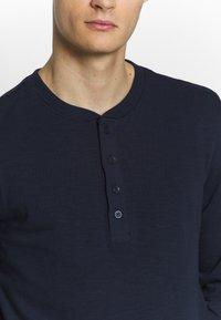 Jack & Jones PREMIUM - GRANDDAD - Bluzka z długim rękawem - navy blazer - 5