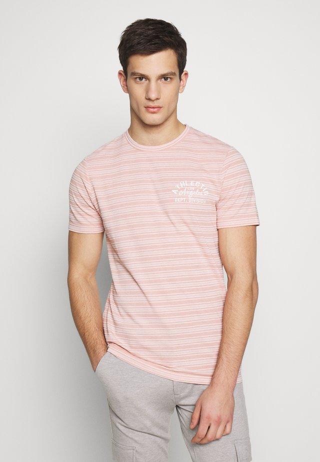 JPRBL SAKAR TEE CREW NECK - Print T-shirt - evening sand
