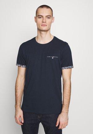 JPRJAMES TEE CREW NECK - T-Shirt print - navy
