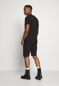 Jack & Jones - JPRNOEL TEE CREW NECK - T-shirt print - black - 2