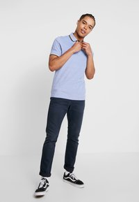 Jack & Jones PREMIUM - Polo shirt - bright cobalt/white - 1